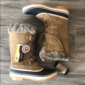 Northside boots size 8